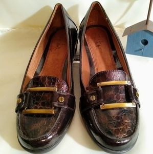 Life Stride Dark Browñ Patent Leather Loafers